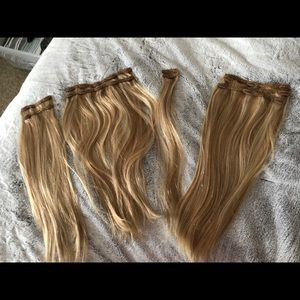 9 piece Remy human hair 20 in clip in extensions